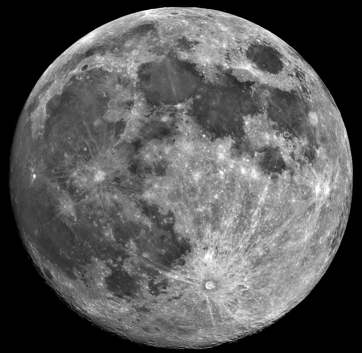 Moon Panorama (Mosaic with 24 Frames)